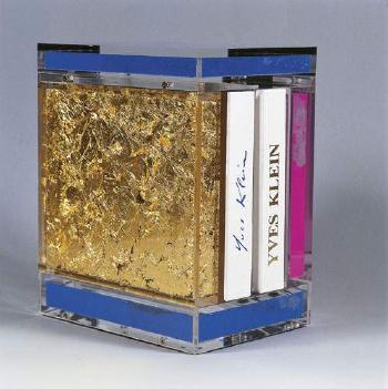 Yves Klein-Reliquaire-2000