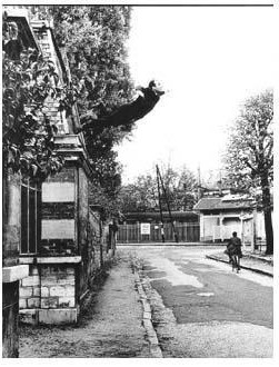 Yves Klein-Le saut dans le vide, obsession de la levitation-1960