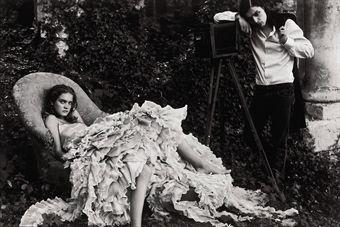 Annie Leibovitz-Alice in Wonderland, Olivier Theysken and Natalia Vodianova, Paris-2003