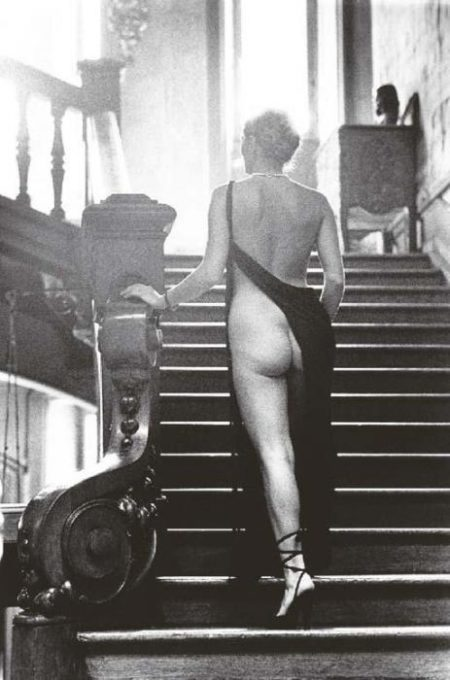 Helmut Newton-Roselyn at Arcangues-1975