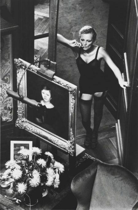 Helmut Newton-Roselyne in Arcangues-1975