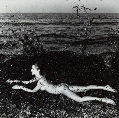 Helmut Newton-Nude in seaweed, Saint-Tropez-1981