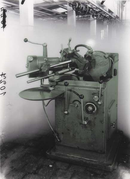 Thomas Ruff-Untitled, from Machine Series-2003