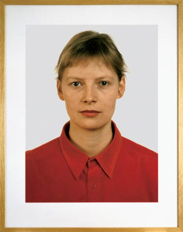 Thomas Ruff-Portrait Pia Stadtbaumer-1989