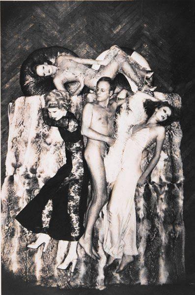 Helmut Newton-Azzaro Et Ses Mannequins (1974)-1974