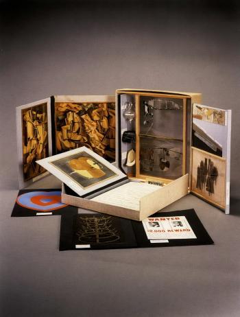 Marcel Duchamp-De ou par Marcel Duchamp ou Rose Selavy, la boite en valise (Schwarz 484)-1958