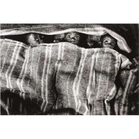 Sebastiao Salgado-Congo (Zaire Orphanage)-1995