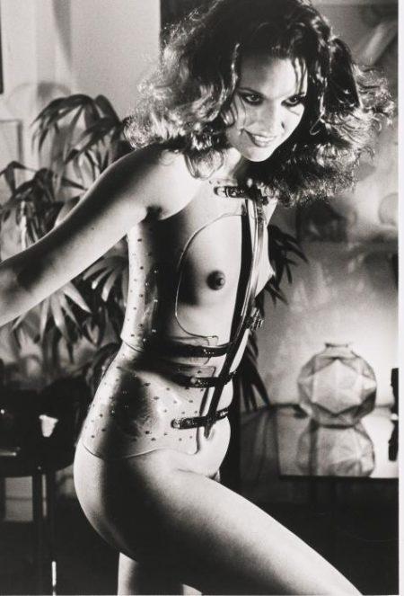 Helmut Newton-Jassara, Rue Aubriot, Paris (1977)-1976