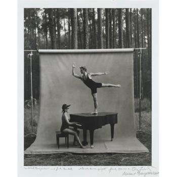 Annie Leibovitz-Mikhail Baryshnikov and Linda Dowdell, white Oak Dance Project-1990