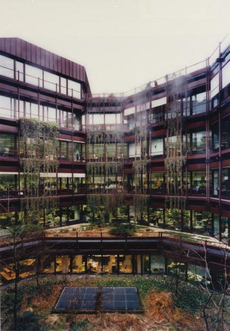 Andreas Gursky-Zurich - Bank Projekt No. 4-1997