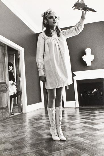 Helmut Newton-Stop & Starch. Mary Quant-1970