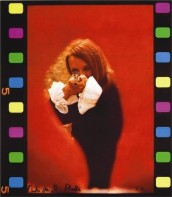 Niki de Saint Phalle-Seduta di tiro-