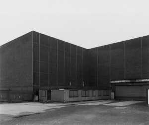 Thomas Ruff-Haus NR.8 III-1988