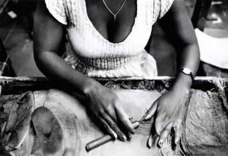 Sebastiao Salgado-Worker Rolling Cigar, Cuba-1988