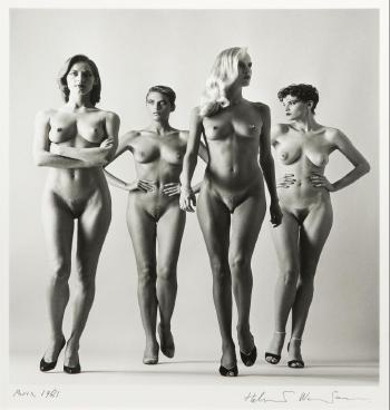 Helmut Newton-Sie Kommen (Naked)-1981