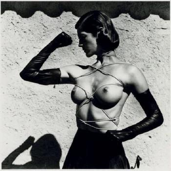 Helmut Newton-Tied up torso ramatuelle-1980