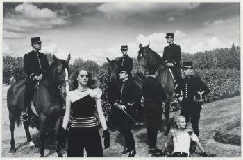 Helmut Newton-Le cadre noir 2-