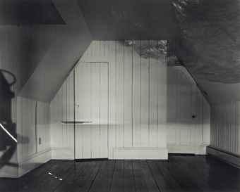 Abelardo Morell-Camera Obscura Image of the Sea in the Attic-1994