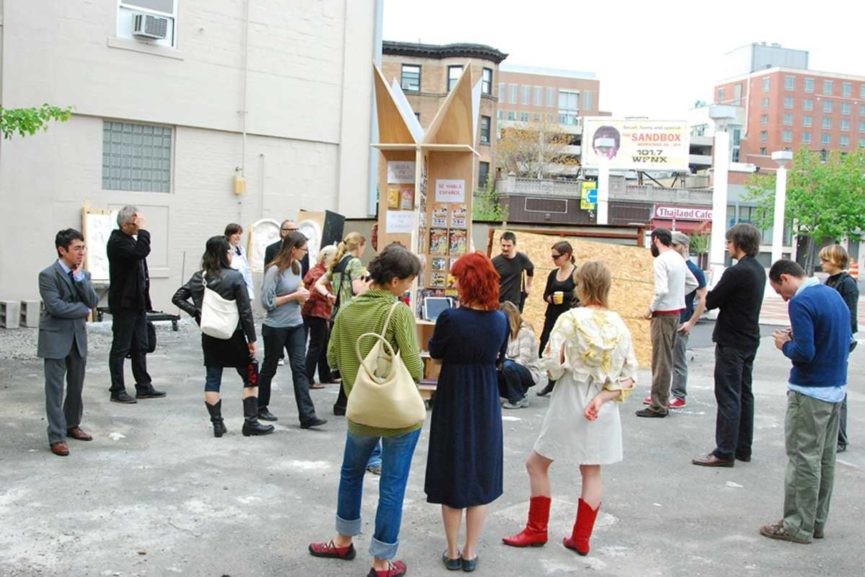 A transformable obleisk-kiosk structure made for selling unclassifiable objects on the street. The Monument to the creative, local, informal economy is a structure that was designed in response to the financial wants and needs of second generation Puerto Ricans living in Boston's South End in the neighborhood of Villa Victoria.
