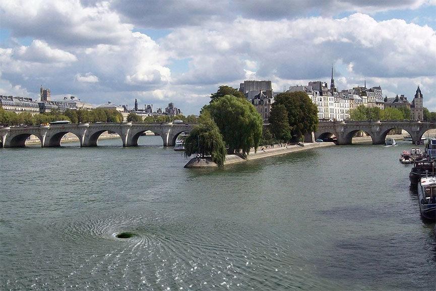 Descension in the Seine River, Paris 2016