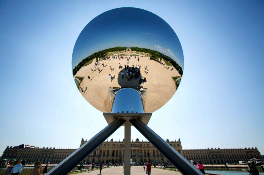 Anish Kapoor - Sky Mirror, 2006, photo via fubiz