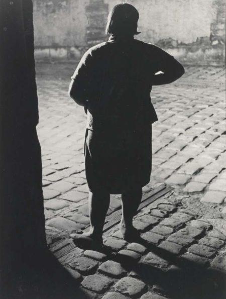 Brassai-Fille De Joie Quartier Italie (De Dos)-1932