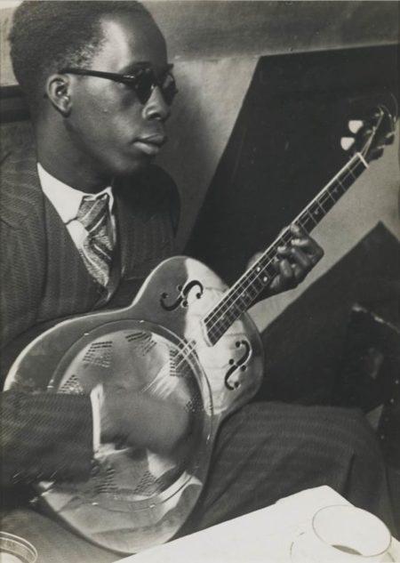 Brassai-Musicien Aveugle A La Cabane Cubaine-1933