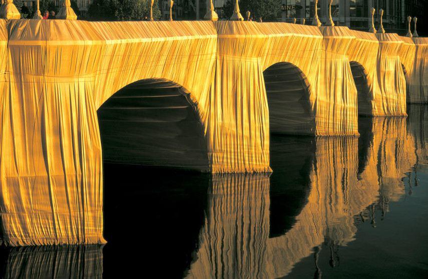 Christo e Jeanne-Claude - O Pont Neuf Wrapped, 1975 - Imagem via christojeanneclaudenet