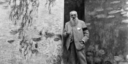 Claude Monet - Photography of the artist - Photo Credits Kids Encyclopedia