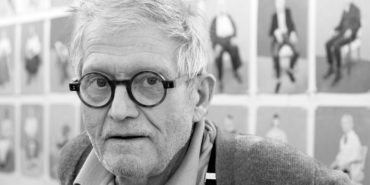 David Hockney - Picture of the artist - Image via netdna-cdncom