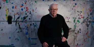 Ellsworth Kelly - Photo of the artist in Ellsworth, 1964- Image via nyt - Yellow Edge, 1964 - ellsworth blue red orange ellsworth blue red yellow 1964 edge ellsworth