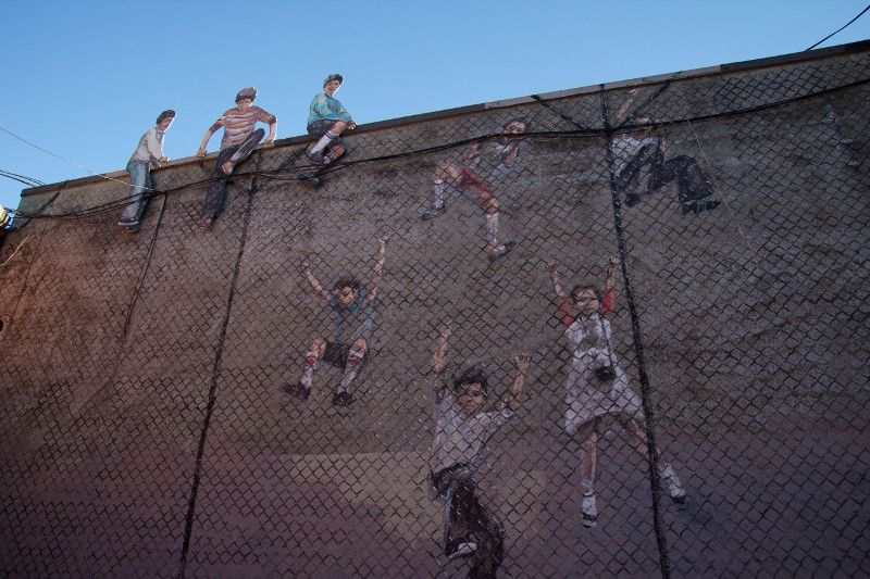 Ernest Zacharevic - Fence Climbers detail - Photo Credit Ernest Zacharevic