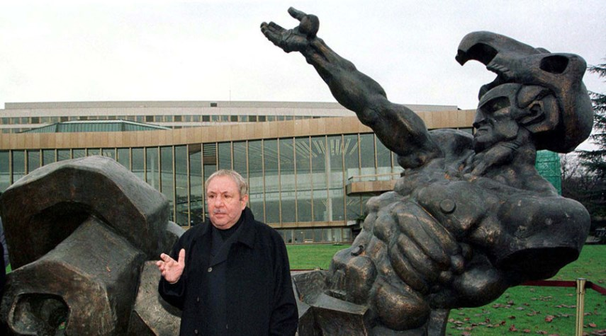 Ernst Neizvestny Russian creator Ernst Neizvestny who died in 2016 has its works in Moscow Museum and in many other museums acroos Russia while one can view his monument and sculptors in other cities as well neizvestny ernst paintigs request