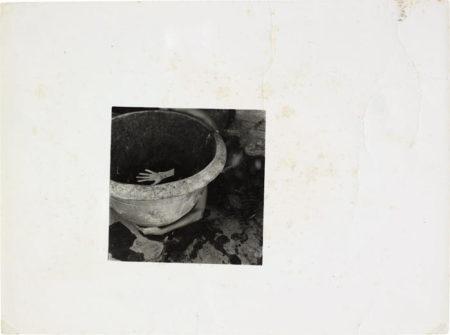 Francesca Woodman-Il guanto-1978