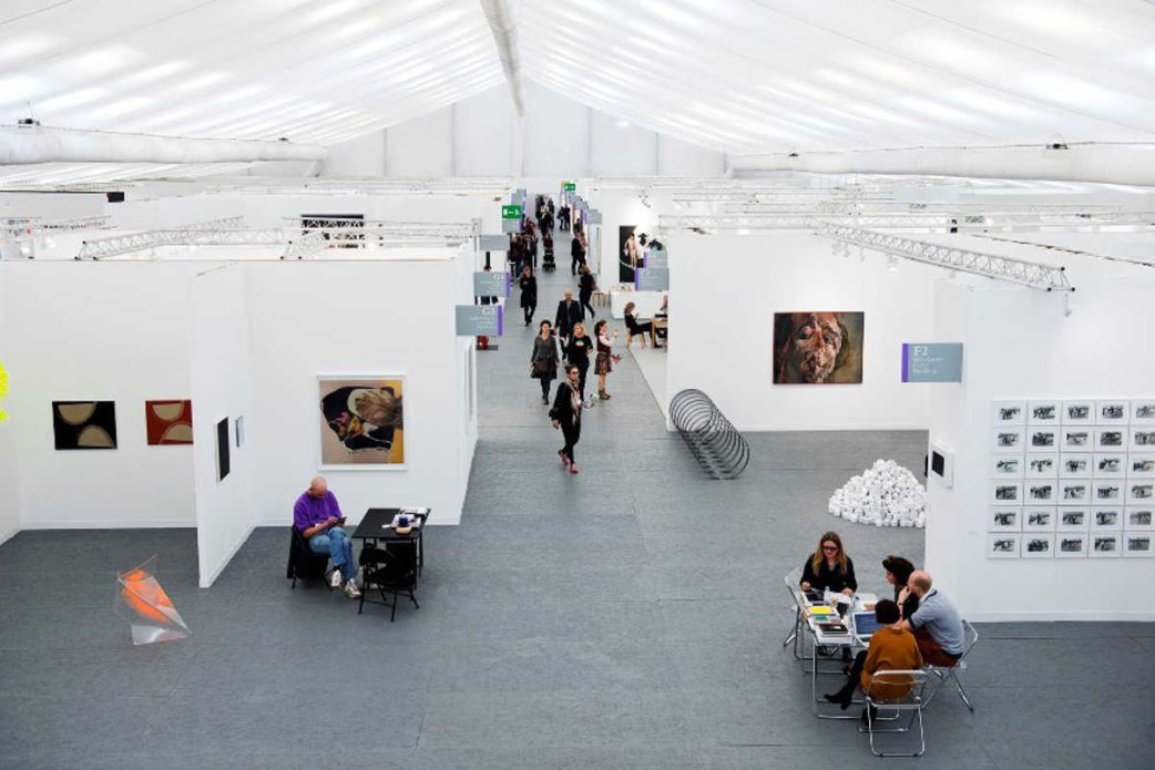 running a gallery