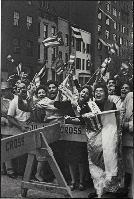 Henri Cartier-Bresson-Pro Fidel Castro demonstration, Manhattan, New York City-1960