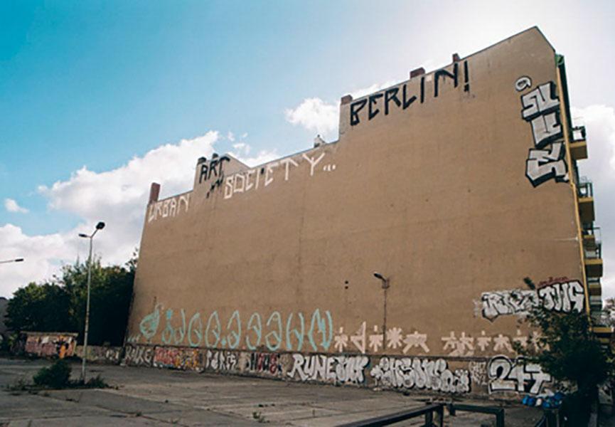Street art photographers