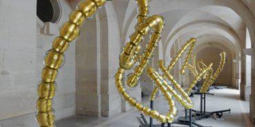 Jean-Michel Othoniel - Gold-leaf glass sculpture - Image via wallpaper
