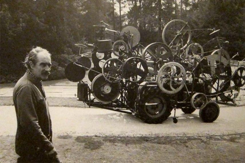 Jean Tinguely - Metamechanics steel
