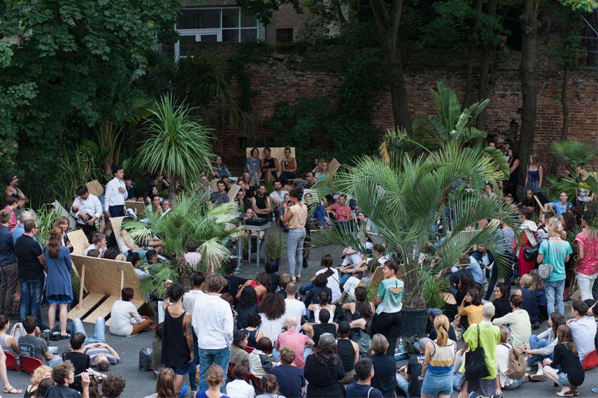 Isabel Lewis - Occasion, 2015. © Tanz im August/HAU Hebbel am Ufer. Photo: Vitali Wagner, 2015