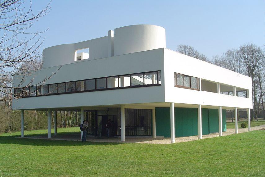 Le Corbusier - Villa Savoye, 1928-31 - image via pinterest