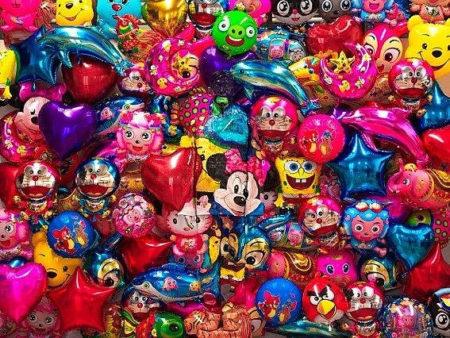 Liu Bolin-Hiding In The City, Balloon-2012