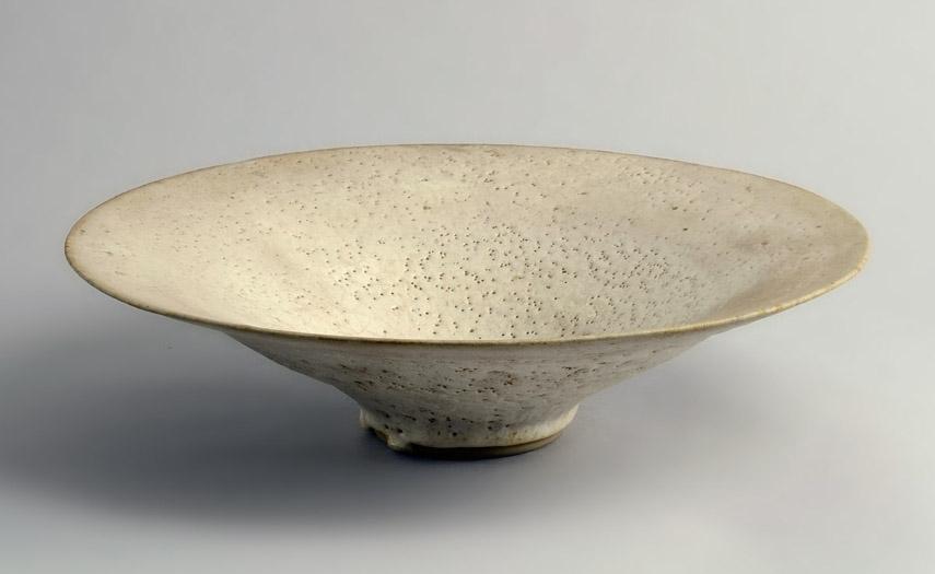 Lucie Rie modern design work of art, stoneware shallow ceramics bowl glaze in vienna