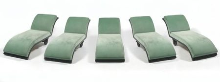 Marina Abramovic-5 Chaises-Lounges-1997