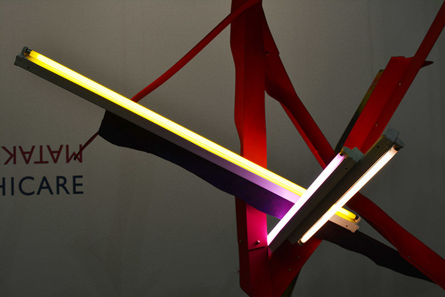 Mark Handforth - Twisted Red Star, 2016. Aluminum, neon, wood, 250 x 190 x 110 cm. Courtesy Galleria Franco Noero
