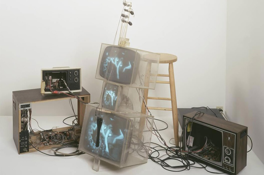 Nam June Paik – TV Cello, 1971