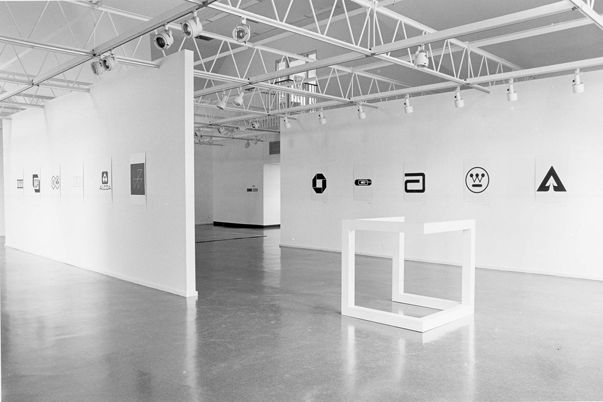 The inspiring simplicity of minimalism in art for Minimal art gallery