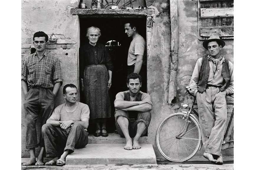 Paul Strand - The Family, Luzzara, Italy
