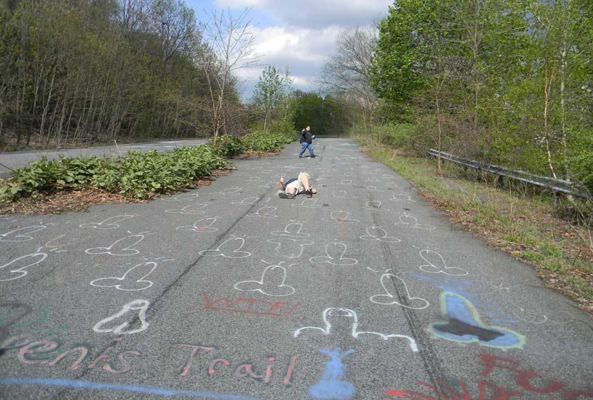2016 news said people like penises around potholes. photo documentation of penises boomed.