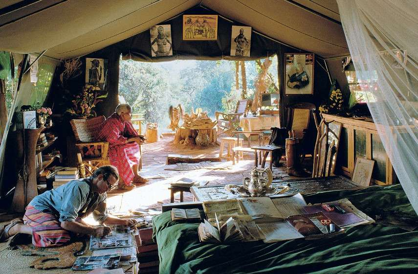 contact use gallery edition montauk home andy policy news privacy family says Peter Beard - The artist at work